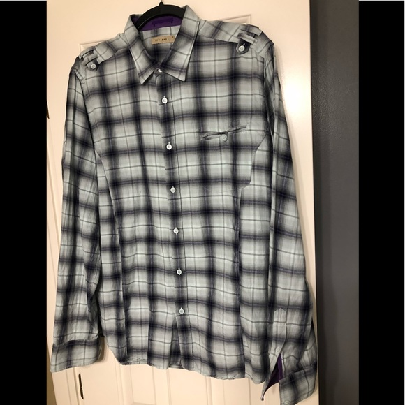 7f47208dccfb Ted Baker 5 M designer flannel shirt. M 5b6e4150fb3803f91e78569e